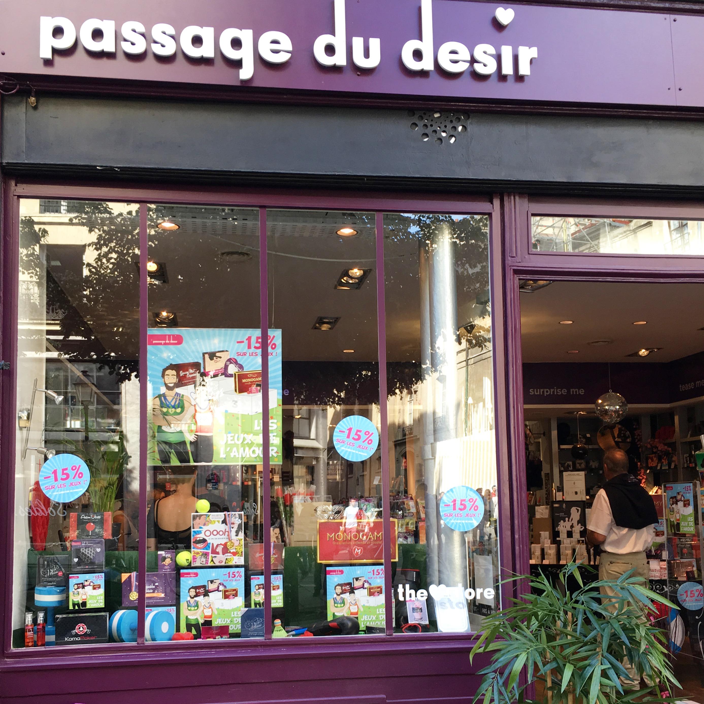 Passage du Désir Vitrine Paris - Secrets de coquines